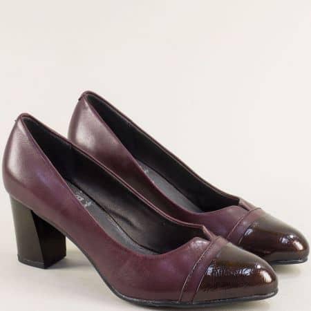 Дамски обувки на среден ток в бордо с кожа и лак от JANA 822481bd