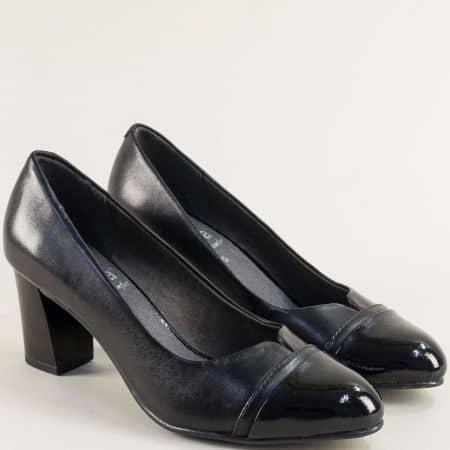 Черни дамски обувки от естествена кожа и лак на среден ток 822481ch