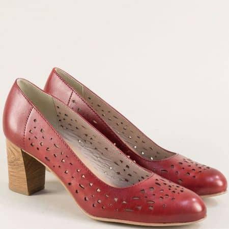 Дамски обувки на висок ток с перфорация в цвят бордо 822491bd