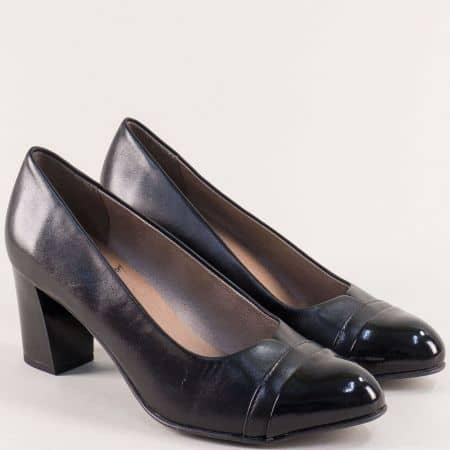Черни дамски обувки от естествена кожа и еко лак- JANA 822492ch