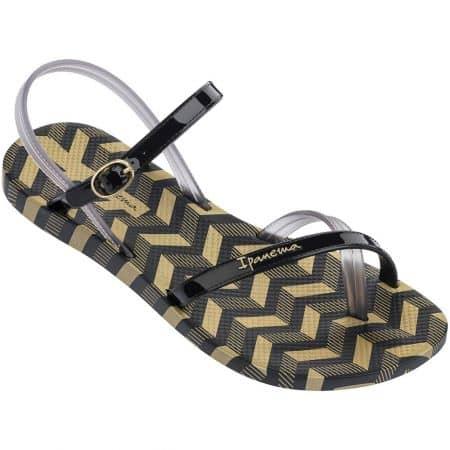 Дамски сандали в черно и злато- IPANEMA на равно ходило 8229122155