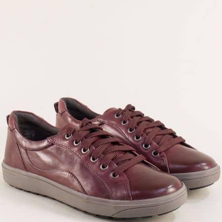 Дамски спортни обувки в бордо на марка Jana от кожа 823601bd