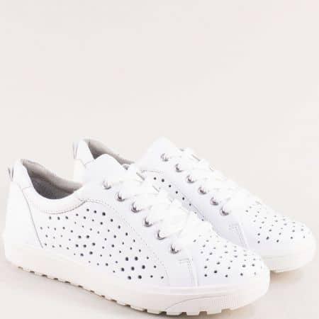 Кожени дамски обувки в бяло с перфорация- JANA 823615b