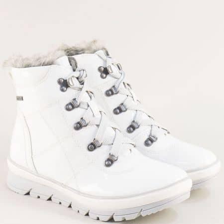 Бели дамски боти на платформа с грайфер-  JANA 826246lb