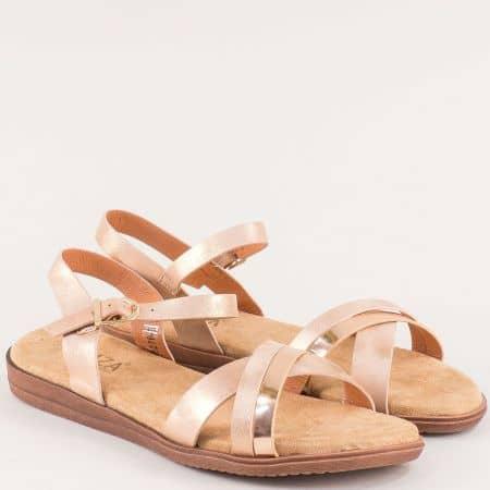 Златни дамски сандали на равно ходило 82763zl