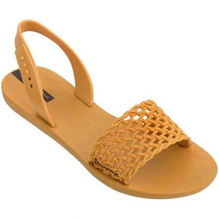 Светло кафяви дамски сандали- IPANEMA на равно ходило 8285524826