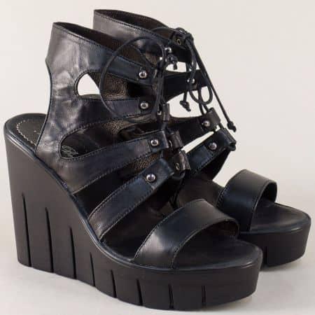 Дамски сандали с връзки от естествена кожа в черен цвят 8301010ch
