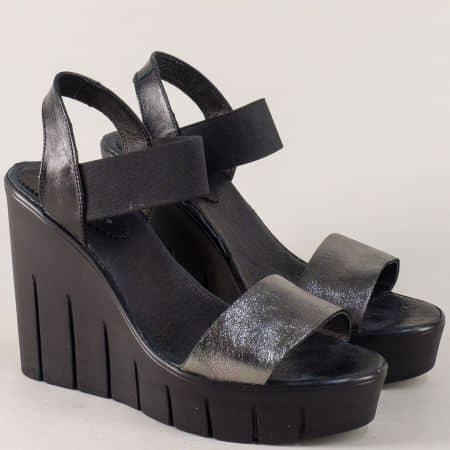 Български дамски сандали в бронз и черно на платформа 830937chbrz