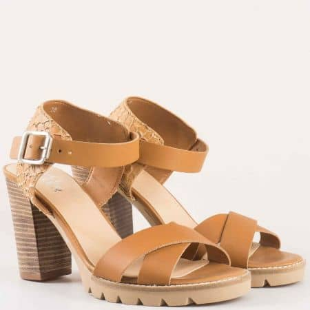 Дамски сандали за всеки ден произведени от висококачествена естествена кожа със змийски принт на Bull Boxer в кафяв цвят 833003k