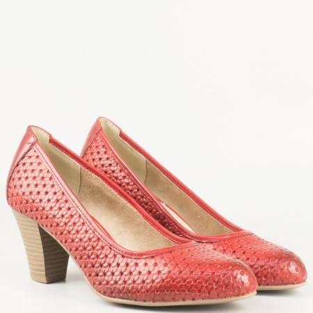 Дамски ежедневни обувки изработени от висококачествена естествена кожа на немския производител  Jana в червен цвят 8822401chv
