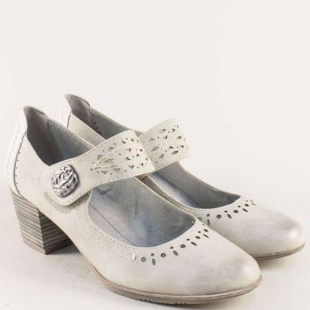 Сиви дамски обувки на среден ток с перфо мотив и лепка 8824366sv