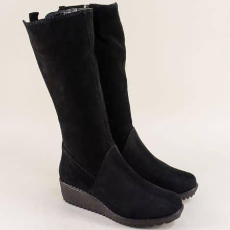 Велурени дамски ботуши в черен цвят на платформа 897vch