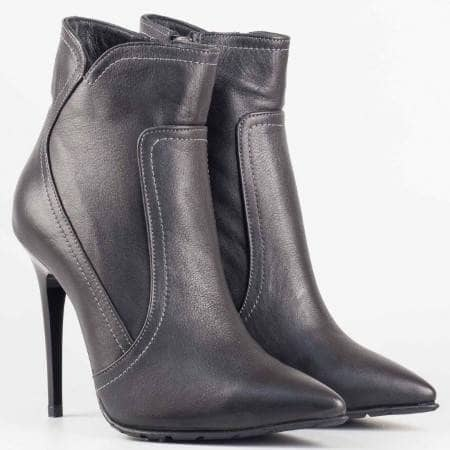Дамски стилни боти от естествена кожа на висок ток в черен цвят 902ch