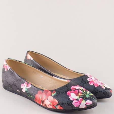 Дамски обувки в черно с пъстър принт на равно ходило 9074ch