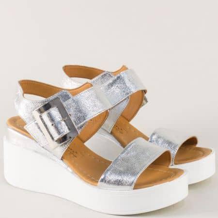 Сребристи дамски сандали от естествена кожа на стабилна платформа 9191sr