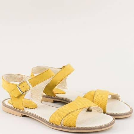 Равни дамски сандали от естествен набук в жълто- NOTA BENE 921041017nj