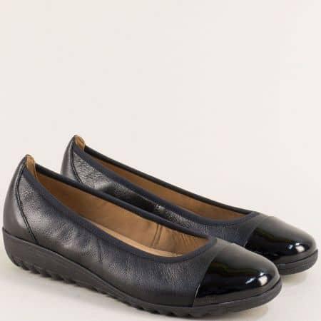Дамски обувки от естествен лак и кожа в черно- Caprice 922103ch