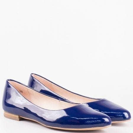 Равни дамски обувки тип балеринки на водещата немска марка Caprice в син естествен лак  922107ls