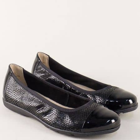 Дамски обувки Caprice в черно от естествен лак и велур 922152lch