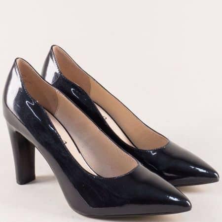 Лачени дамски обувки в черно с кожена стелка- Caprice 922402lch