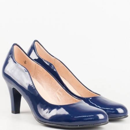 Дамски стилни обувки на висок ток изработени от висококачествен естествен лак на немския производител Caprice в син цвят 922406ls