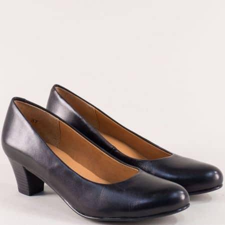 Кожени дамски обувки на среден ток в черен цвят- Caprice 922415ch