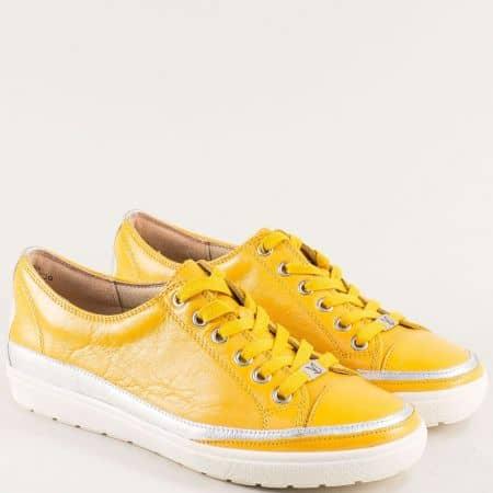 Жълти дамски обувки от естествена кожа с onAir система на Caprice 923654j