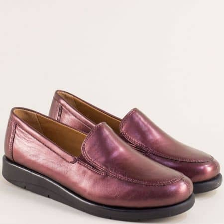Дамски обувки от естествена кожа в цвят бордо- Caprice 924750bd