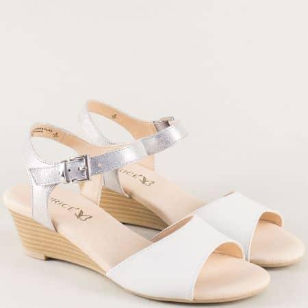 Дамски сандали от естествена кожа в сребро и бяло 928213b