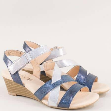 Дамски сандали в сребро и синьо на клин ходило с лепка 928214ssr
