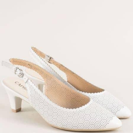 Бели дамски обувки от перфорирана естествена кожа  929601b