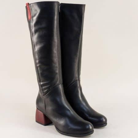 Кожени дамски ботуши в червено и черно на среден ток 929814chchv