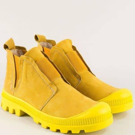 Жълти дамски боти от естествен набук на шито ходило 936nj