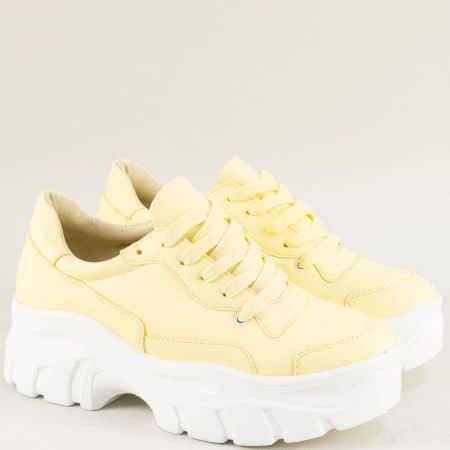 Спортни дамски обувки на платформа в жълто 939-40j