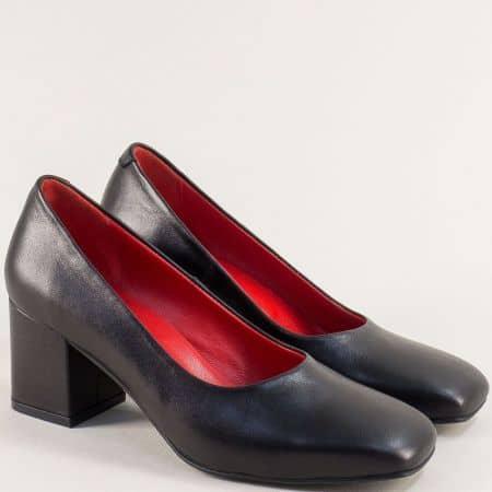 Дамски обувки в черно на среден ток от естествена кожа 939ch