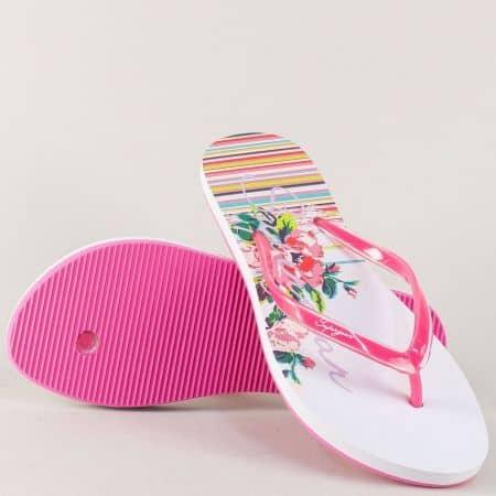 Дамски джапанки с флорален принт в бяло и розово 940-40rz