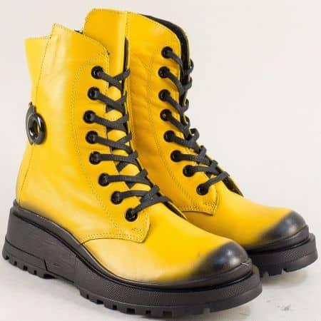 Спортни жълти дамски боти от естествена кожа на платформа 9499j
