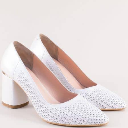 Дамски обувки в бяло с перфорация от естествена кожа 954b