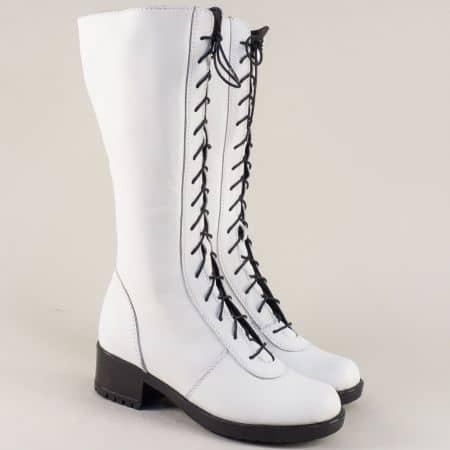 Дамски ботуши от естествена кожа в бял цвят на нисък ток 966658b