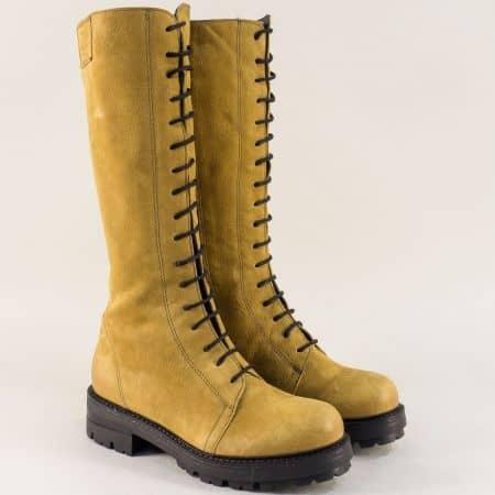 Жълти дамски ботуши от естествен набук с връзки и цип 97553j