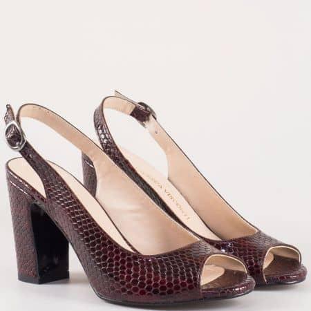 Оригинални дамски сандали на висок ток в цвят бордо със змийски принт 985zbd