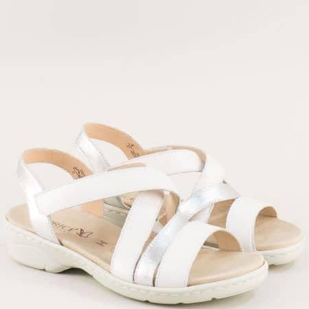 Дамски сандали в бяло и сребро с кожена стелка и лепка 9928250b