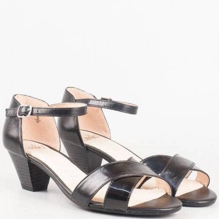 Дамски летни сандали на нисък ток изработени от висококачествена естествена кожа, включително и стелката на Caprice в черен цвят 9928300ch