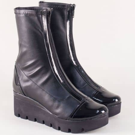 Черни дамски боти на платформа от естествен лак и стреч 996274ch