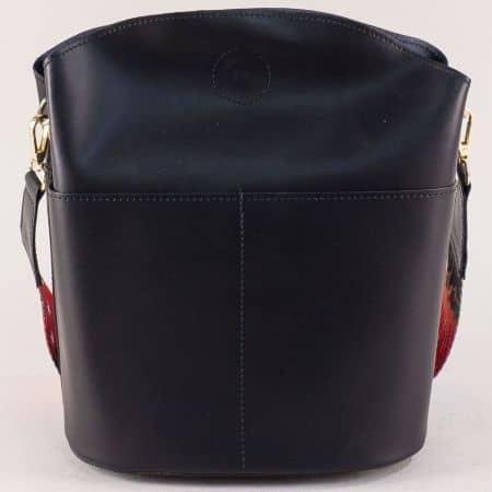 Черна дамска чанта от естествена кожа с пъстра дръжка a073ch
