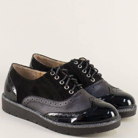 Черни дамски обувки с връзки и декоративен перфо мотив  a19ch