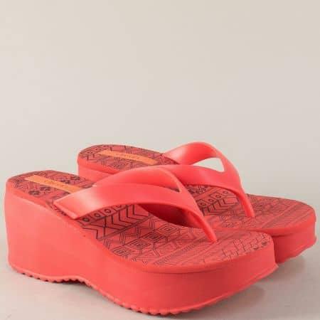 Дамски чехли в червен цвят с ефектен принт- Azaleia  a281057chv