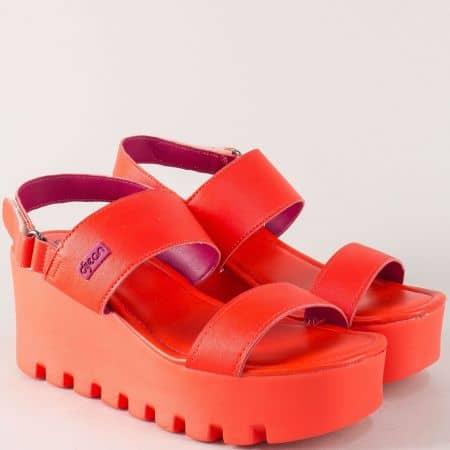 Червени дамски сандали на платформа с лепка- Azaleia a470066chv