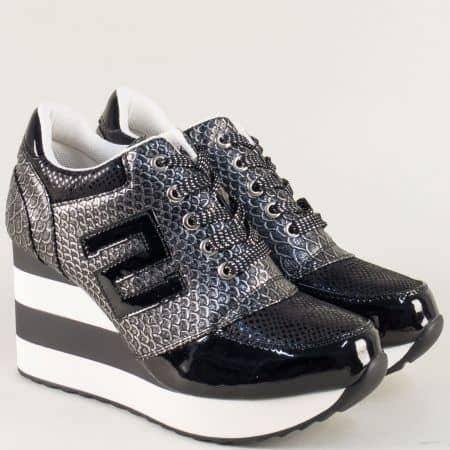 Спортни дамски обувки в черно и сиво на платформа a6058ch