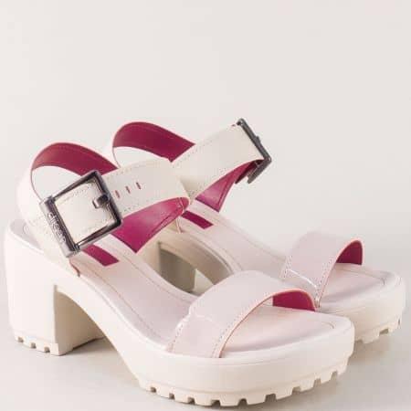 Дамски сандали в бежо цвят на платформа и висок ток a667142bj